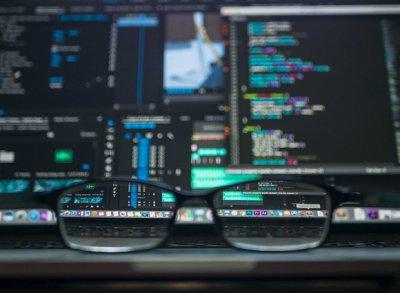 烟台APP软件开发为什么要找专业的公司